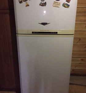 Продаю большой хороший холодильник