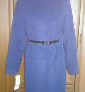 Пальто демисезонное, новое, р-р 48