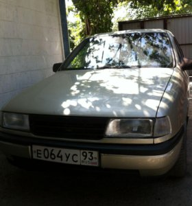 Opel Vectra, 1990