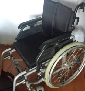 Инвалидная коляска с раскладывающейся спинкой