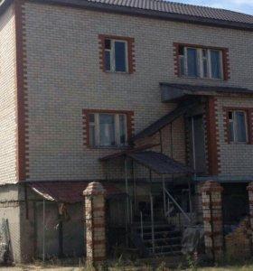 Дом, 748 м²