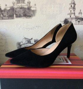 Женские туфли 37 размер