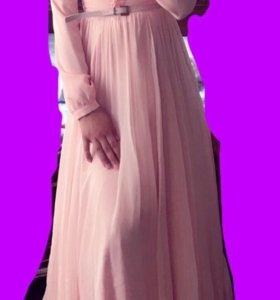 Очень красивое платье, новое, размер 36-38