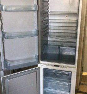 Electrolux встраиваемый холодильник (Италия) Б У