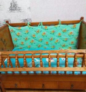 Детская кровать, массив.