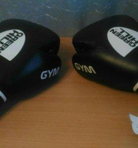 Боксерские перчатки Green Hill Gym.