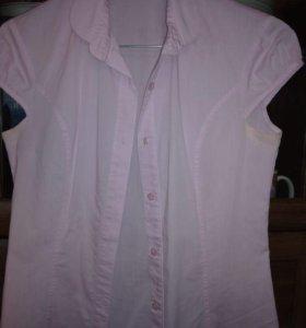 Срочно продаётся школьная блузка.