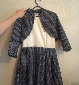 Продам нарядный костюм для девочки