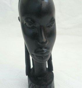 Статуэтка из черного дерева