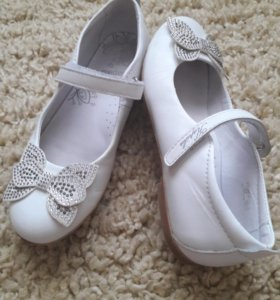 Кожаные изящные туфельки для девочки разм 32