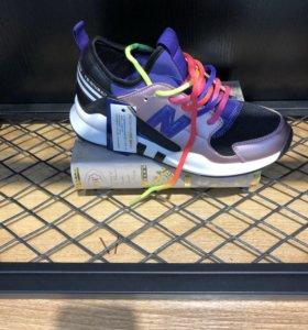 Продам новые кроссовки New Balance
