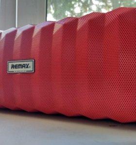 Портативная влагостойкая колонка Remax RB-M12