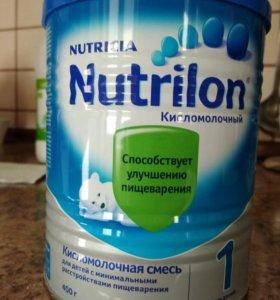 Молочная смесь Nutrilon кисломолочный