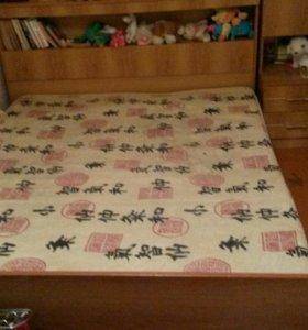 Кровать ширина 1.65,длина 2.15 с матрасом