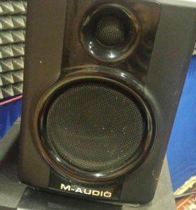 Колонки M-Audio AV40 и сабвуфер Genius