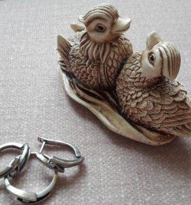Серебряные серьги и кольцо