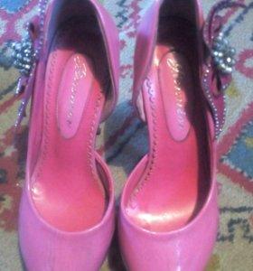 Продам туфли 35 размера