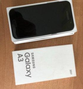 Смартфон Samsung Galaxy A3 (2017)