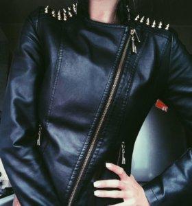 Куртка( кожанка с шипами)