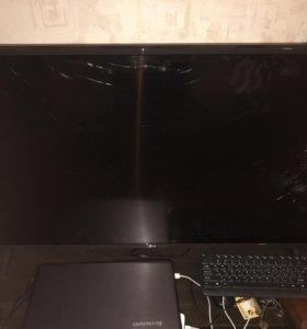 На запчасти.Сломана матрица.Телевизору 2 месяца.