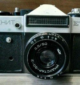 Зеркальный фотоаппарат Зенит