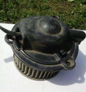Мотор печки салона для делики 25 кузов .