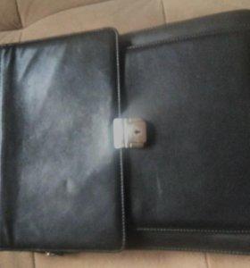 Классная сумка из настоящей кожы