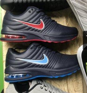 Кроссовки. Черные с синим
