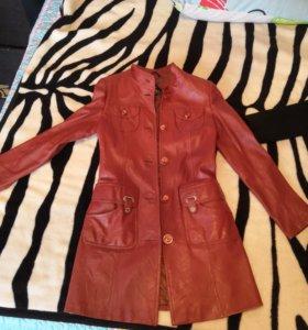 Кожаный френч, норкова жилетка и 2 пальто