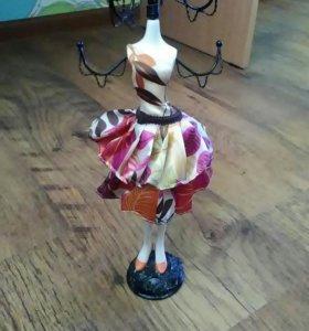 Фарфоровая кукла для украшений