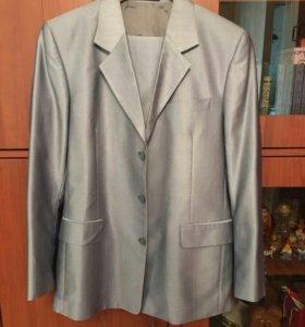Костюм мужской серебристо-серый