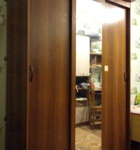 Купейный шкаф с подсветкой