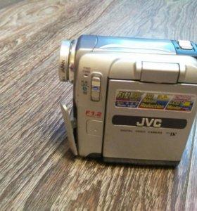 Цифровая камера JVC GR-DX27E