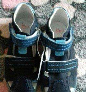 Новые сандали 28 р