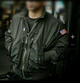 Бомбер американских лётчиков.