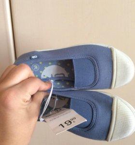 Обувь новая для девочки