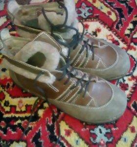 Ботинки утепленные на натуральном меху женские
