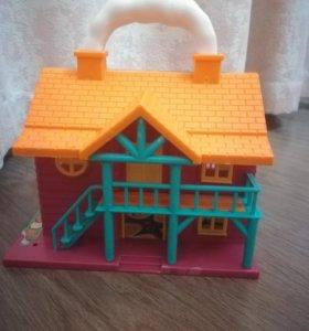 Игрушечный домик для маленьких кукол