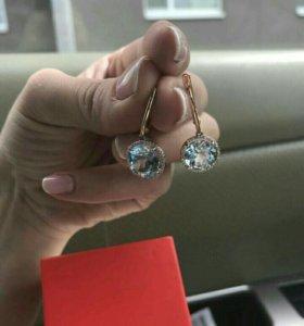 Серьги золотые с топазом и бриллиантами