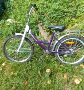 Детский велосипед в отличном состояниию