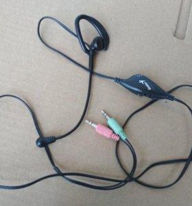 Наушник с микрофоном и провода