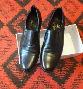 Мужские,школьные туфли