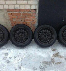 Колеса зимние, шипованные для тойоты королла.
