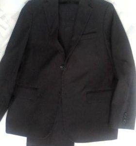 Школьный чёрный костюм