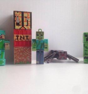 Фигурки из Майнкрафта: крипер,Стив,паук,зомби.