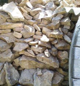 Природный камень разного размера