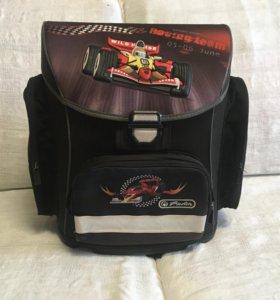 Рюкзак школьный для детей с 1 до 4 класса