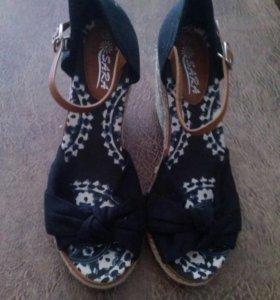 Летняя обувь новая