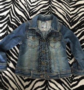 Джинсовая куртка на девочку Mayoral
