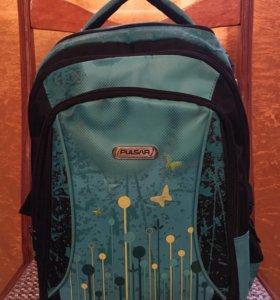 Школьный рюкзак(почти новый)